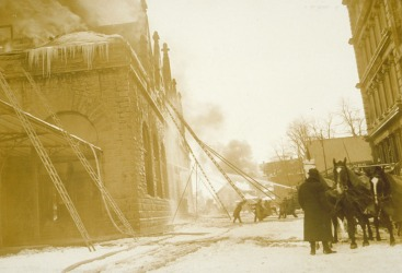 Union Station fire: firemen with ladders and hoses, Union Place, Hartford, February 21, 1914. Connecticut Historical Society collections.