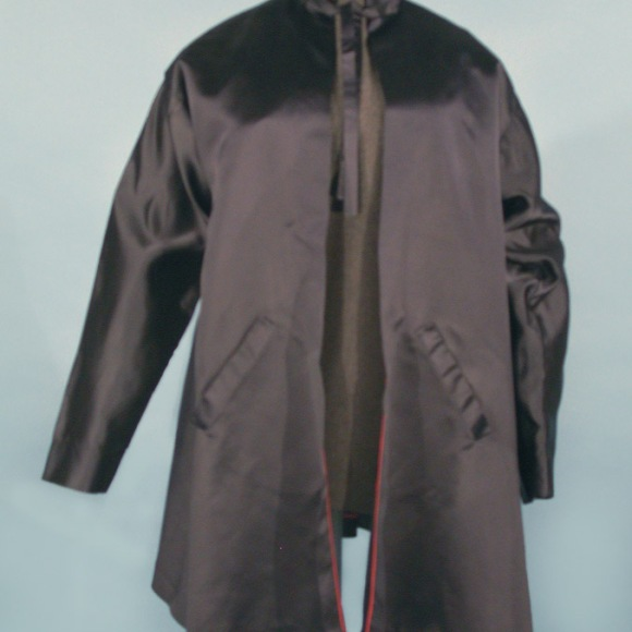 """1. 2004.45.1 Women's jacket owned by Katharine Hepburn, 1939-1957. Connecticut Historical Society. This jacket was designed by Valentina Nicholaevna Sanina, designer for plays including """"The Philadelphia Story"""". Sanina was born in Kiev, and owned a dress shop (Valentina Gowns) in New York during the late 1920s. Hepburn later became a personal client of Valentina's."""