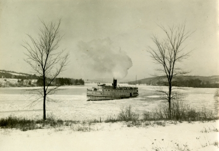 Steamer Hartford on the Connecticut River, 1900-1930