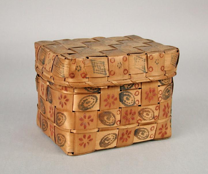 Mohegan Miniature Covered Basket. 1840-1860. 1950.450.0a,b.